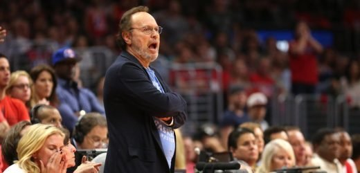 'My Head is Spinning:' Billy Crystal Reacts to the Clippers Getting Kawhi Leonard