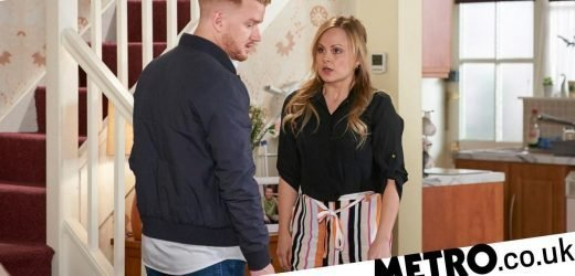 Gary forced to kill Sarah as she prepares to destroy him in Corrie?