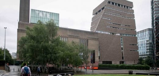 Tate Modern: Boy's mum tried to climb over 10th floor rail to rescue son, 6, after 100ft fall from viewing platform