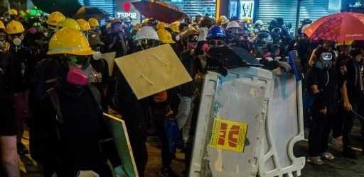 Hong Kong protesters rally in luxury shopping area