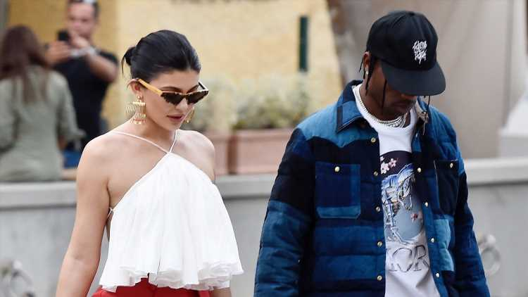 Kylie Jenner Goes Shopping with Her Boyfriend in Italy!