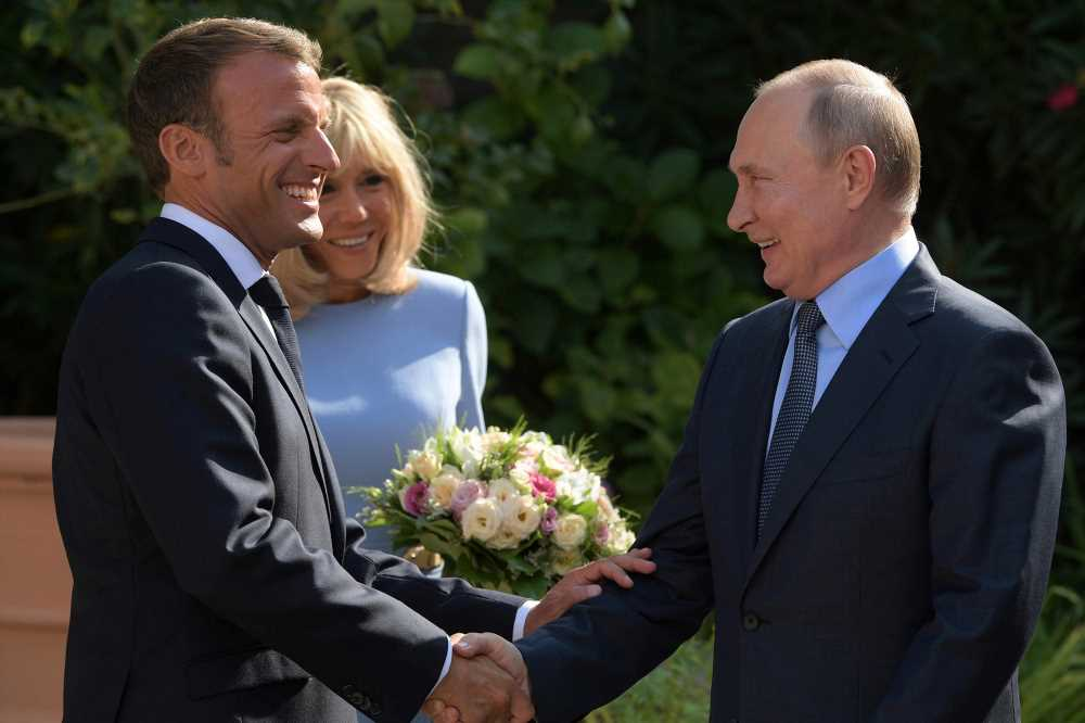 Macron suggests Europe reach out to Russia in wake of G-7 summit