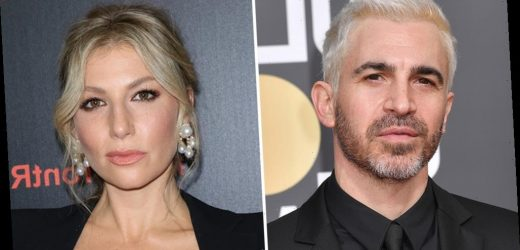 Chris Messina & Ari Graynor To Star In Paul Simms Comedy Pilot At FX, Jonathan Krisel To Direct