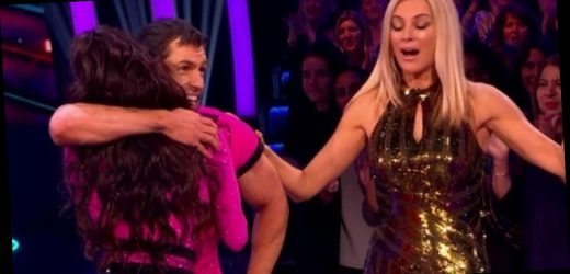 Strictly Come Dancing fans unimpressed with Tess Daly's Kelvin Fletcher blunder
