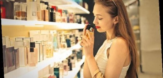 Expert reveals how to buy perfume for someone else