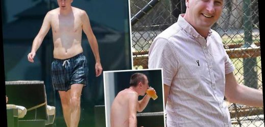Topless I'm A Celebrity runner up Andy Whyment shows off 11lb weight loss with pint by the pool – The Sun