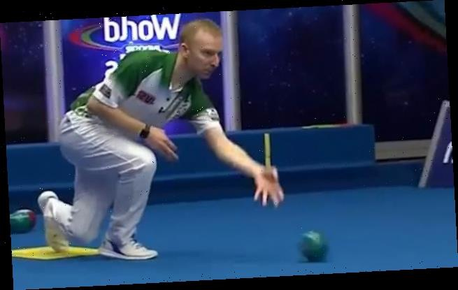 Bowls player astonishes commentator with his stunningly accurate shot