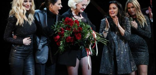 'RHOBH' stars hop up on Broadway stage to give Erika Girardi roses