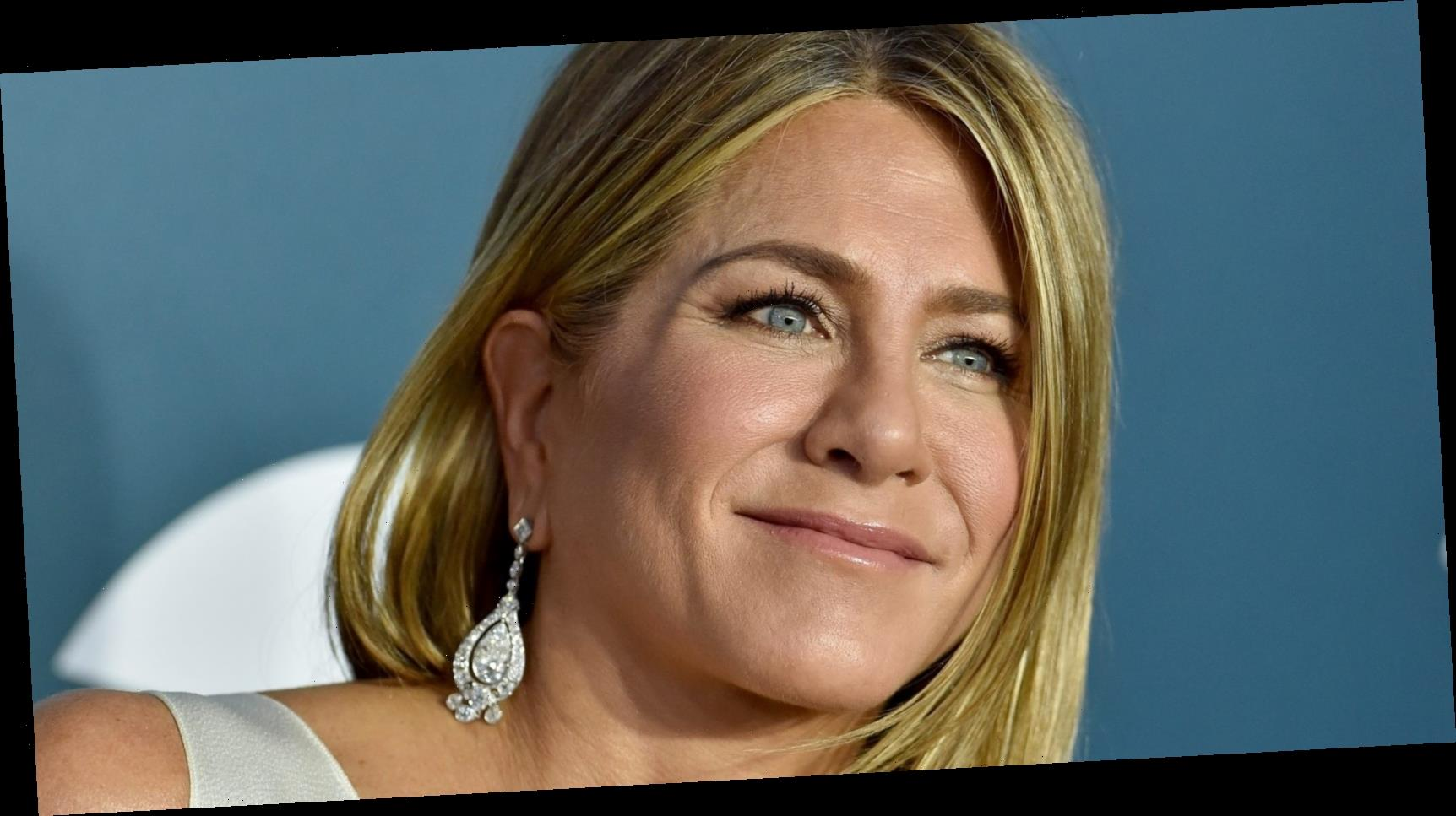 Jennifer Aniston's 'holding hands' photo is symbolic of the industry's sisterhood