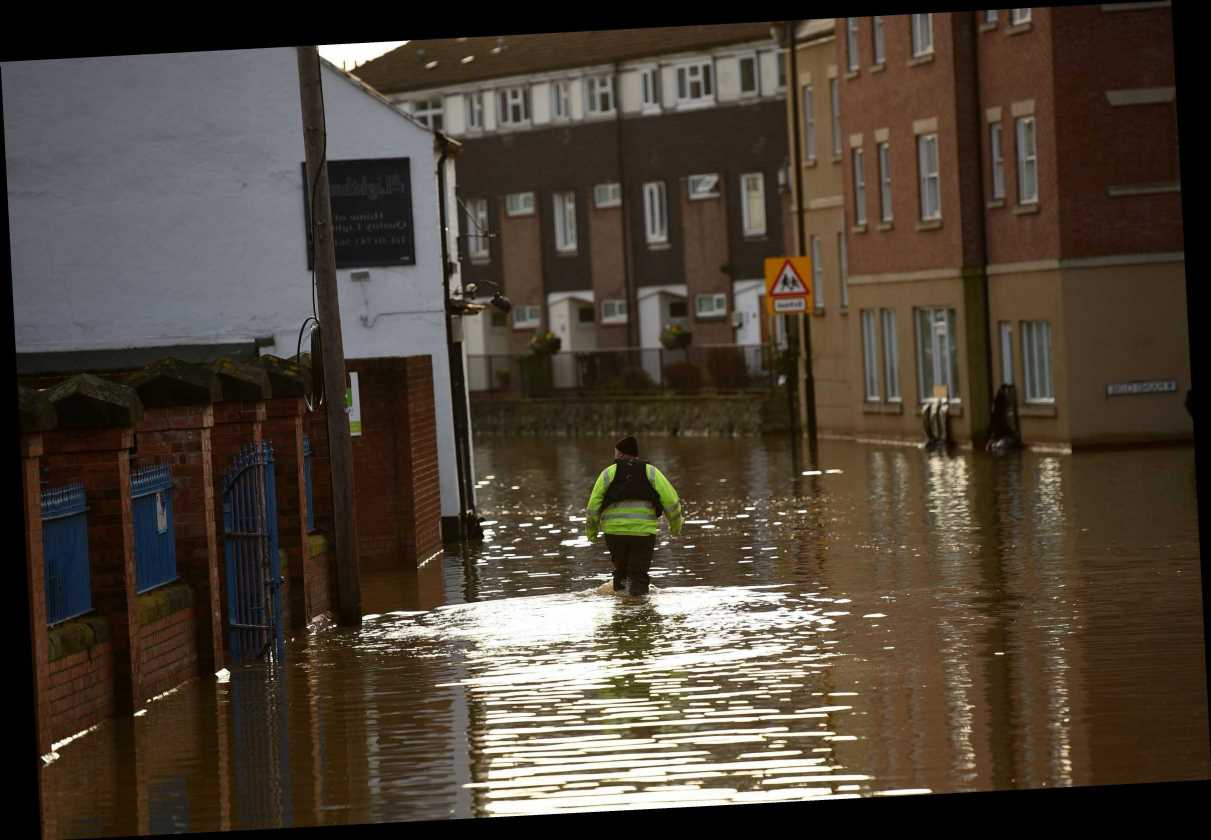Flood-hit homes to get up to £1,000 to help with repair damage