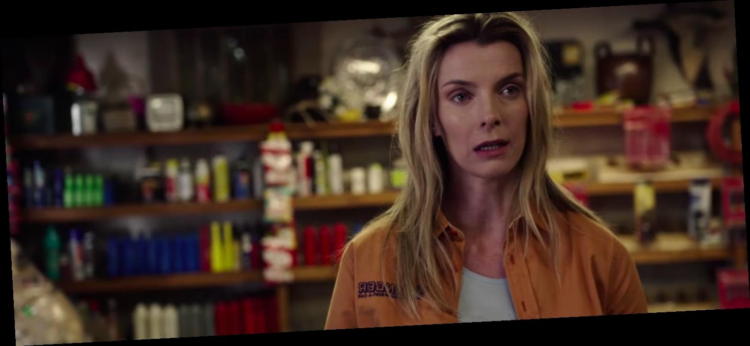 "'The Hunt' Trailer: Betty Gilpin Beats the ""Elites"" at Their Own Game"