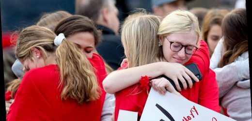 Hundreds gather for procession honoring mothers, daughters killed in St. Louis crash