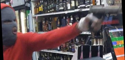 See the moment a thief points firearm at Queens liquor store clerk
