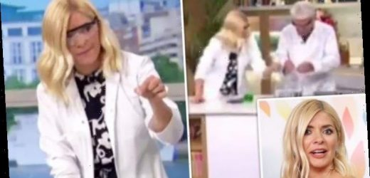 Holly Willoughby: This Morning fans hit out as host forgets social distancing rule on TV