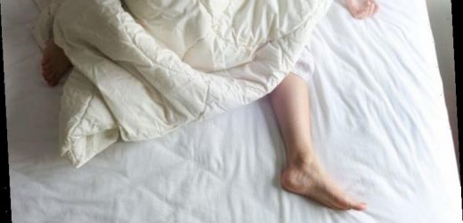 Sleep in hot weather: How to sleep in a heatwave – 4 simple tips