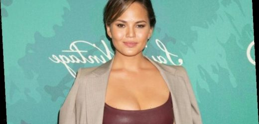 Chrissy Teigen Shuts Down Hater Asking Her If She Has 'Cancer' for Looking 'Unrecognizable'