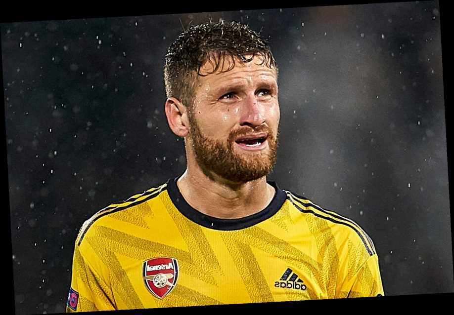Napoli target shock Shkodran Mustafi transfer if Serie A club miss out to Arsenal in Gabriel Magalhaes race