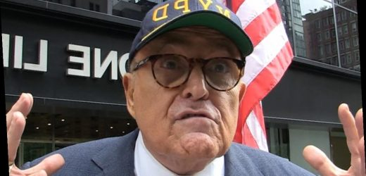 Rudy Giuliani Rips 'Disrespectful' Houston Texans, 'Stay In Locker Room Forever'