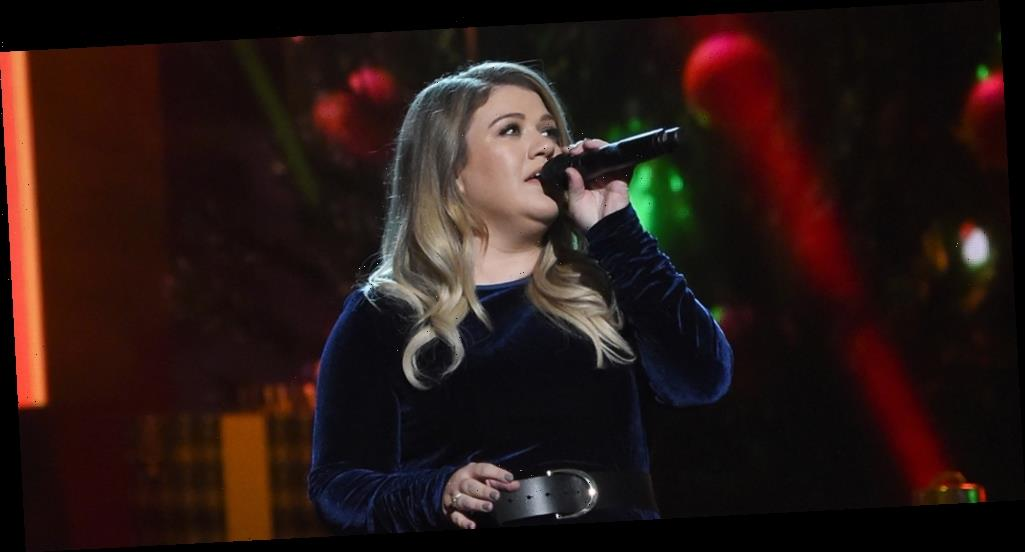 Kelly Clarkson Says Her Life's Been 'a Little Bit of a Dumpster' Amid Divorce