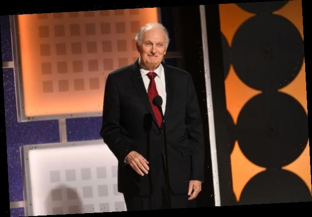 Alan Alda Blasts Trump's Pandemic Response: 'You Can't Vote If You're Dead'