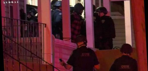 Man charged with murder after fatal stabbing, standoff on Staten Island