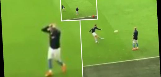 Foden stuns pal Zinchenko by hitting crossbar from miles away before Sheffield United win