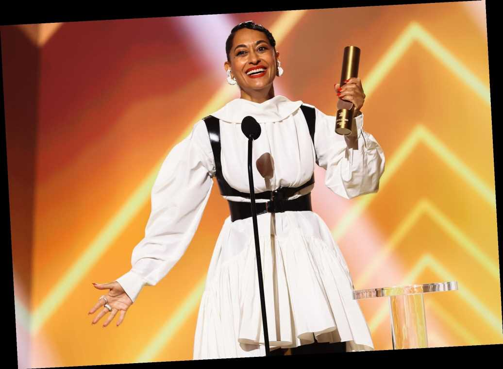 Tracee Ellis Ross Thanks Mom Diana Ross, 'the Icon Herself,' While Accepting Fashion Icon Award