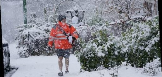 Royal Mail tells shoppers not to leave present-buying to last minute