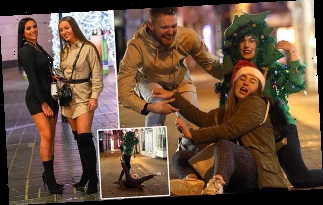 Revellers hit the town ahead of xmas