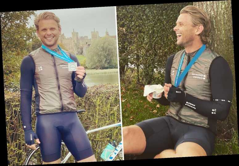 Jeff Brazier shocks fans with huge bulge in his cycling shorts as he poses during a bike ride
