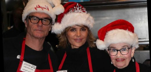Lisa Rinna hasn't seen mom Lois since 'last Christmas' due to pandemic