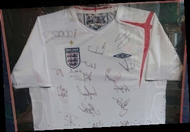 Animal welfare store owner hoping vintage 2005 England shirt can raise funds to get through coronavirus pandemic