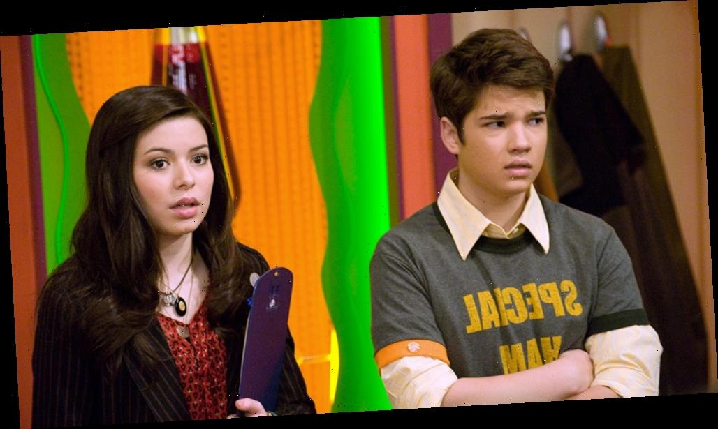 Paramount+ Teases 'iCarly' Revival With On-Set Cast Photo Featuring Miranda Cosgrove & More