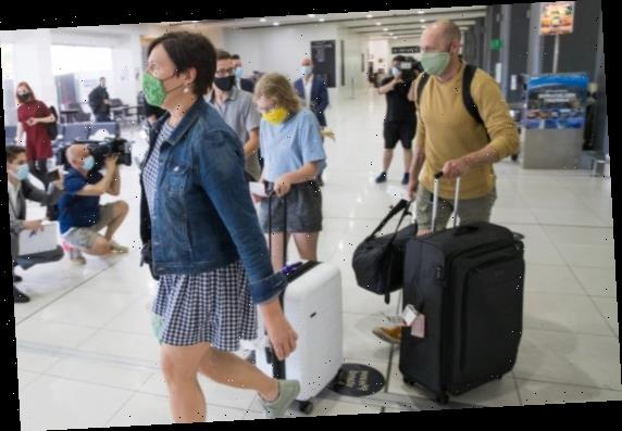'Very stressful': Travellers rush to get home after Victoria closes border to Greater Brisbane