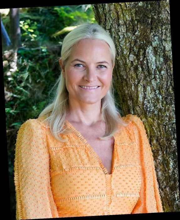 Princess Mette-Marit of Norway Breaks Tailbone During Skiing Accident Before Christmas: Report