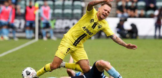 Football: Wellington Phoenix go down to Sydney FC in A-League opener