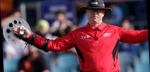 Umpire Bruce Oxenford retires from officiating in international cricket after 15-year career