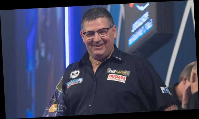 PDC World Darts Championship: Gary Anderson storms through to semi-finals