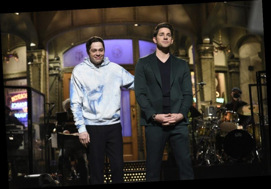'Saturday Night Live': John Krasinski Kissed Pete Davidson Because of 'The Office'