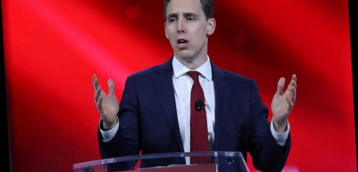 Hawley calls for breakup of Big Tech 'oligarchs,' companies that 'sold us out to China'