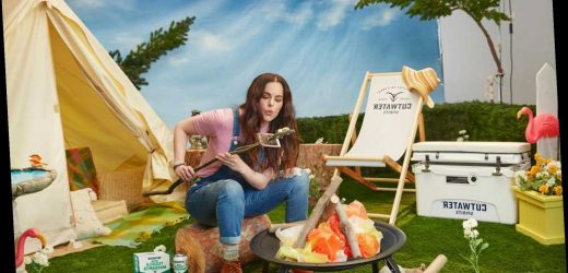 Emily Hampshire's Super Bowl 2021 ad has a 'Schitt's Creek' connection
