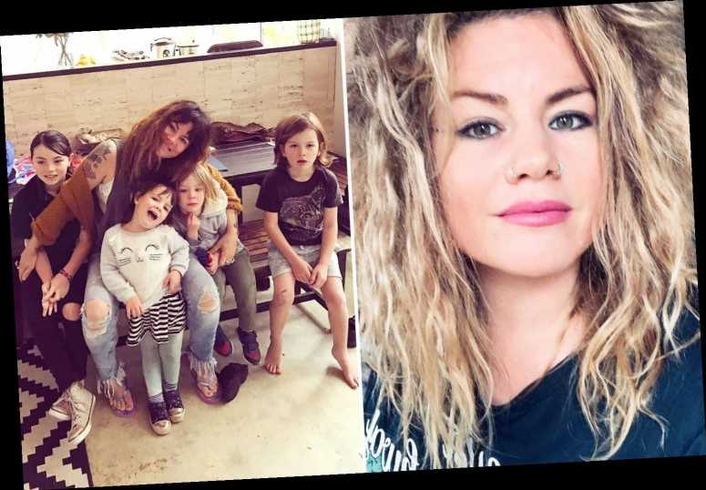 'Lazy' mum-of-six says she only bathes her kids three times a week and lets them eat with their hands – The Sun