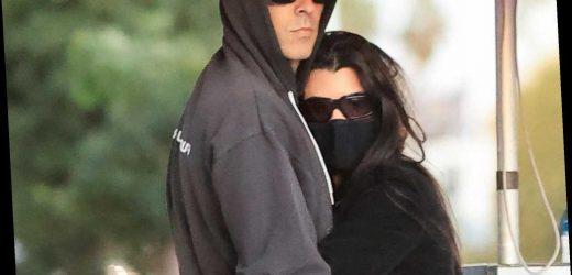 Kourtney Kardashian cozies up to boyfriend Travis Barker in LA