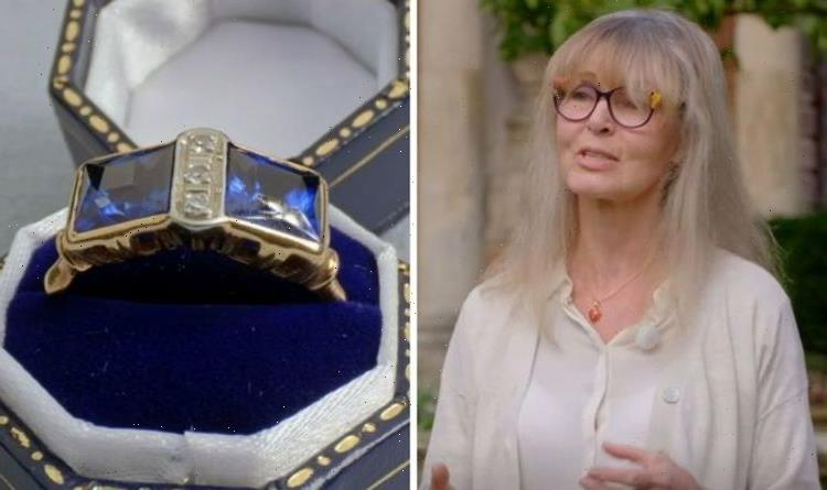 Antiques Roadshow guest startled as expert unveils truth about sapphire's decreasing value
