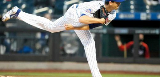Jacob deGrom's 15K complete game gives Mets bounce-back win