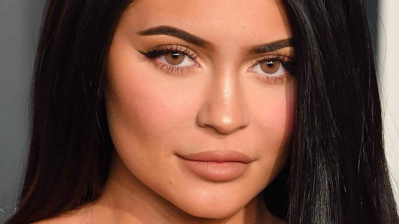 How Often Does Kylie Jenner Actually Get Her Nails Done?