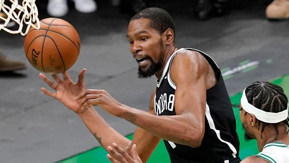 Nets' Kevin Durant to fans after Kyrie Irving water bottle incident: 'Grow the f–k up'