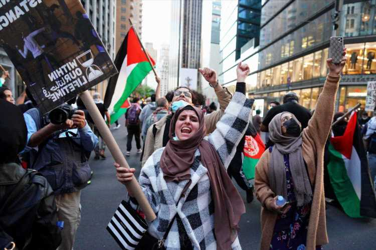 Protesters clash outside Israeli Consulate in Manhattan