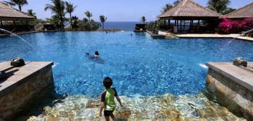 'We've missed Australians so much': Bali vaccinates its tourist 'green zones'