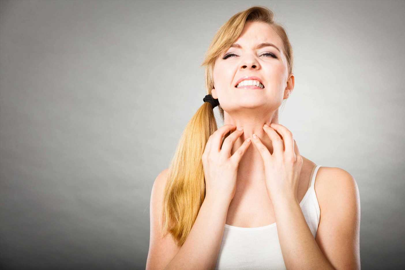 Can hay fever cause itchy skin, what is pollen rash and how can I treat itchy eyes and hives?